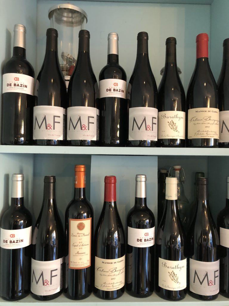 un choix de vins de la région sélectionnés pour vous accompagner dans votre repas. Ravigote choisi des  vins qui s'accordent avec vos plats ! Ravigote, cuisine simple et authentique !